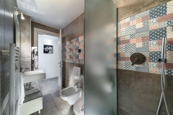 fotografo hotel interni residence bagno Rimini vacanze turismo romagna B&B