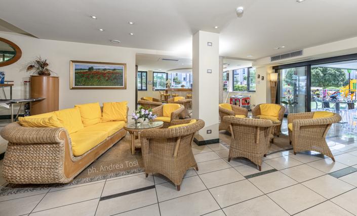 Interior photographer relax zone riccione rimini romagna hotel fotografo hall beach holidays