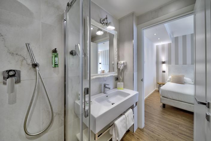 Fotografo Hotel interior bathroom photography Andrea Tosi Riccione Italy Riccione Marche Romagna