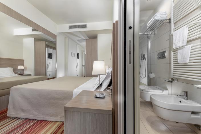 Riccione fotografo hotel residence interni camera rimini romagna adriatico