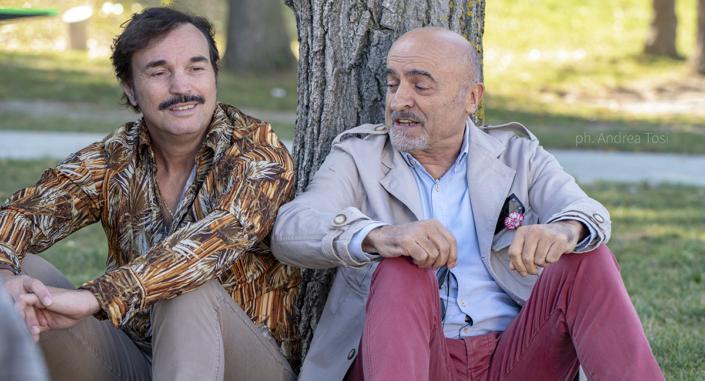 Actors sul set Tutto Liscio Marescotti Maggiò Andrea Tosi fotografo scena rimini