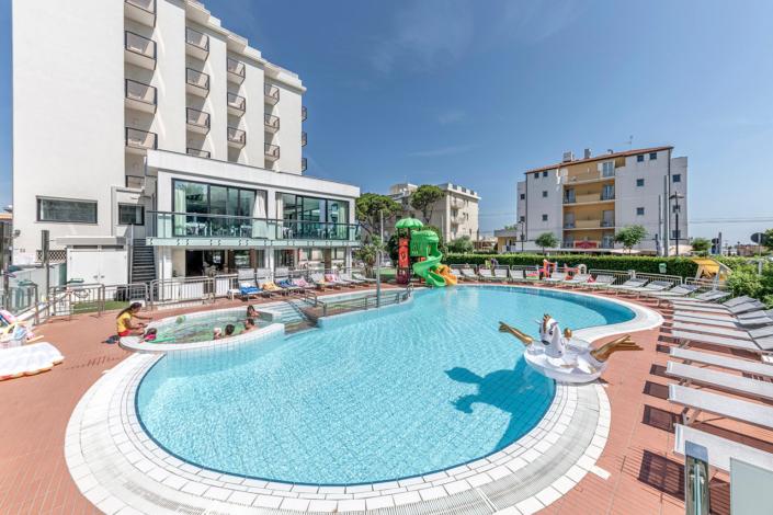 Vacanze estate Riccione Mave Vacanze